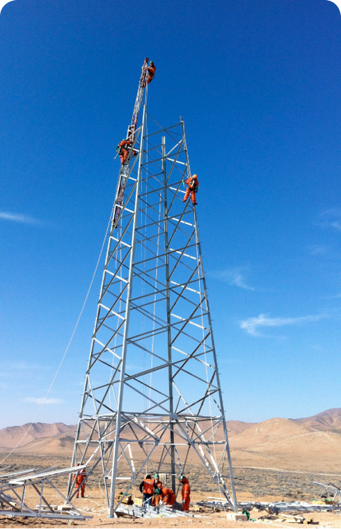 Construction of a transmission tower (Chile)